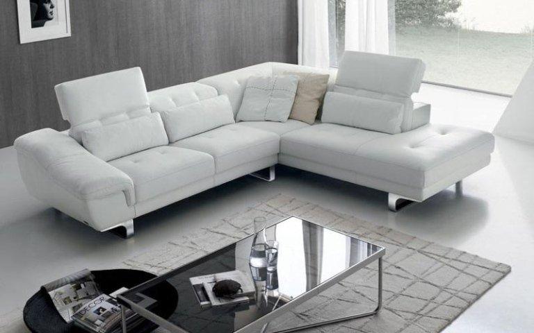 divano pelle bianca
