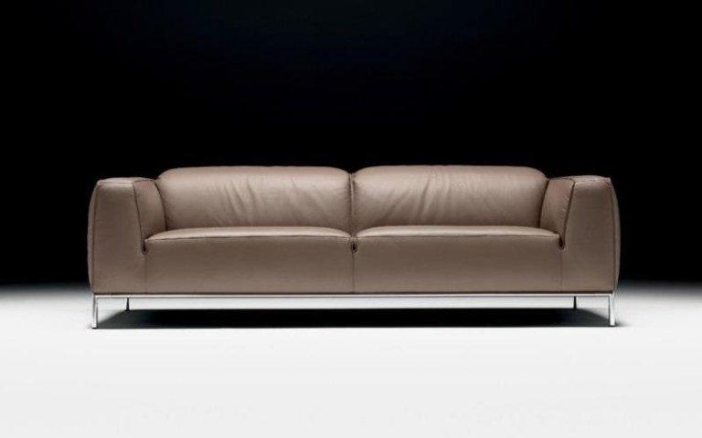 divano marrone