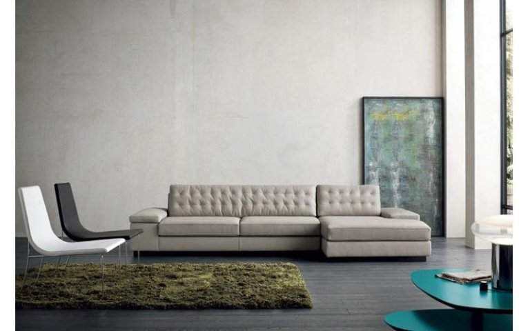 divano tessuto marroncino