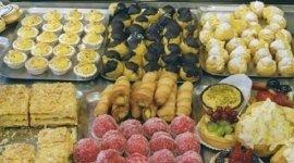 vendita bignole, vendita tortine di frutta, pasticcini con crema pasticcera