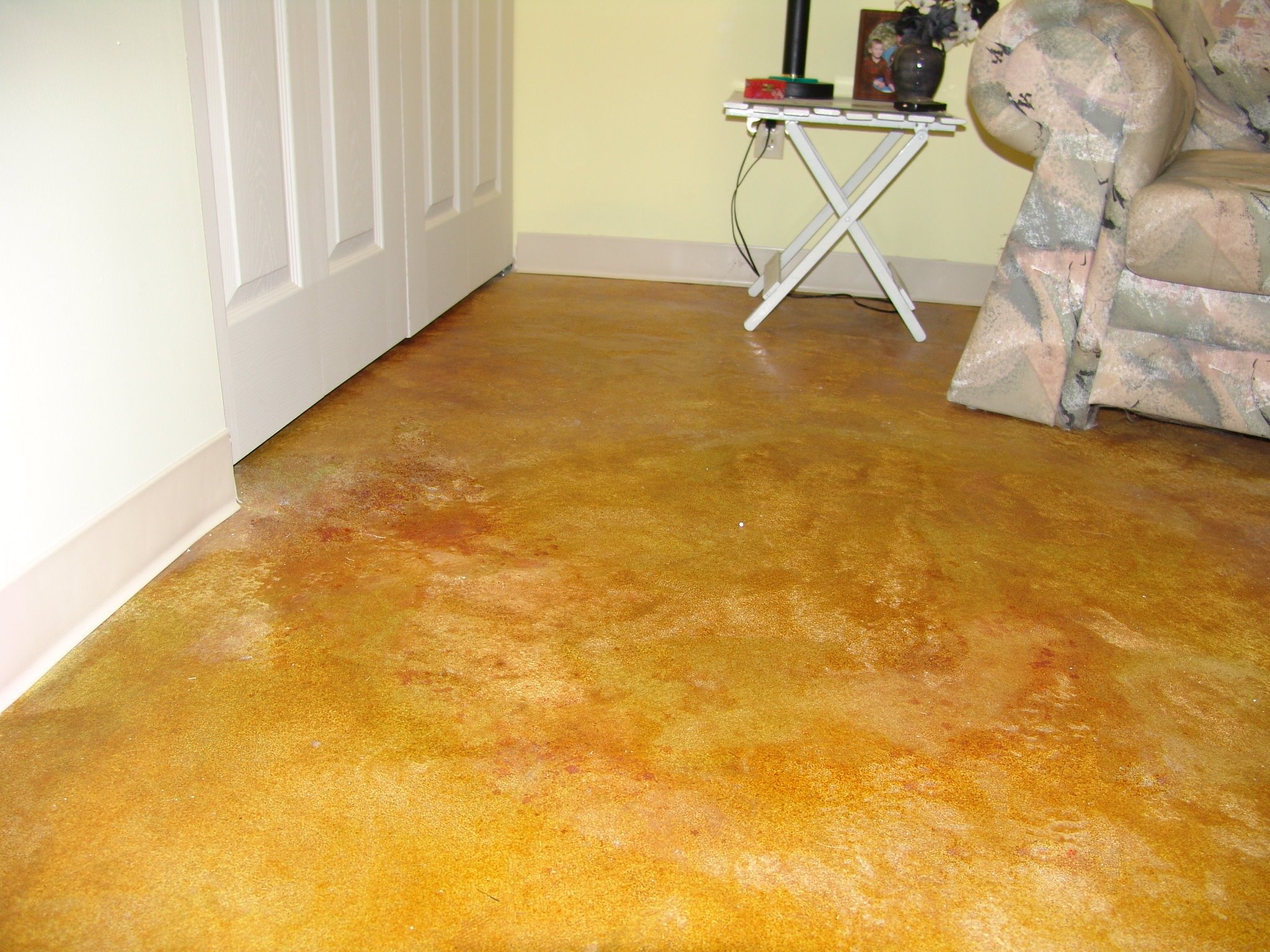concrete overlay, laundry room floor
