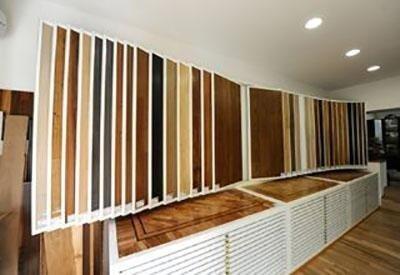 esposizione di legno per parquet