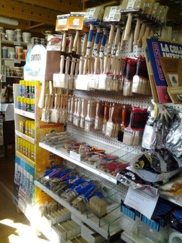 scaffali e prodotti per la casa
