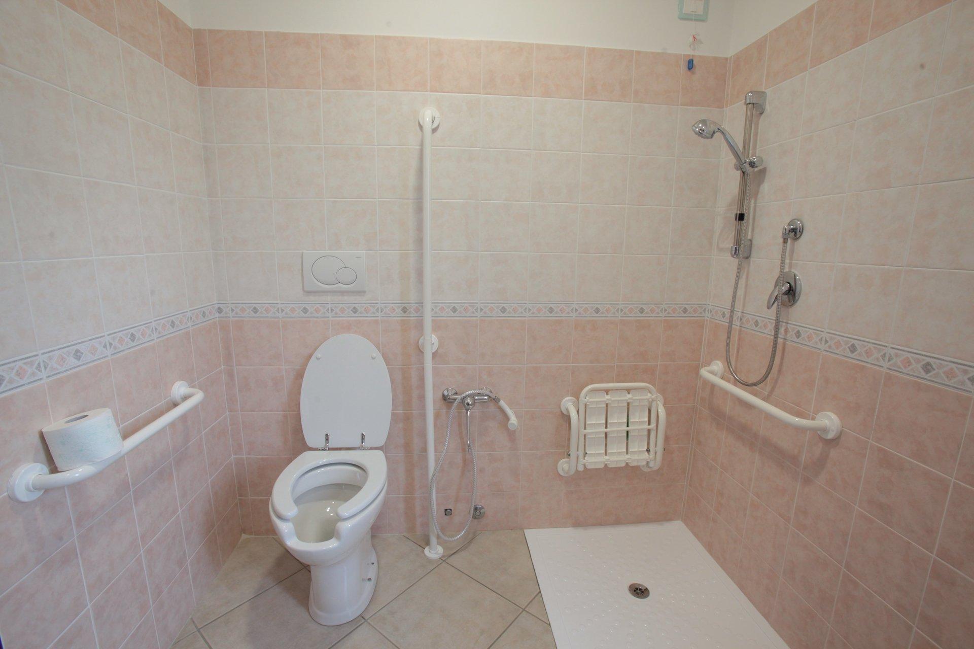 camere da letto singole o doppie | velletri, rm | villa annalisa - Arredo Bagno Velletri