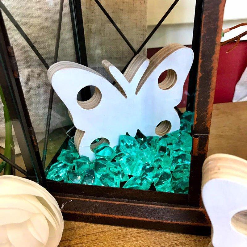 farfalla bianca decorativa in legno