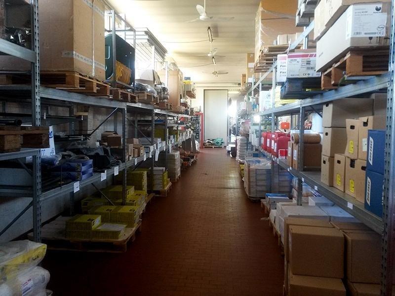 magazzino macchinari