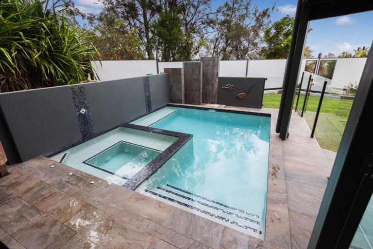 Spa pools brisbane norfolk pools for 50000 pool design
