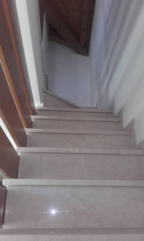 Scala accesso al piano superiore