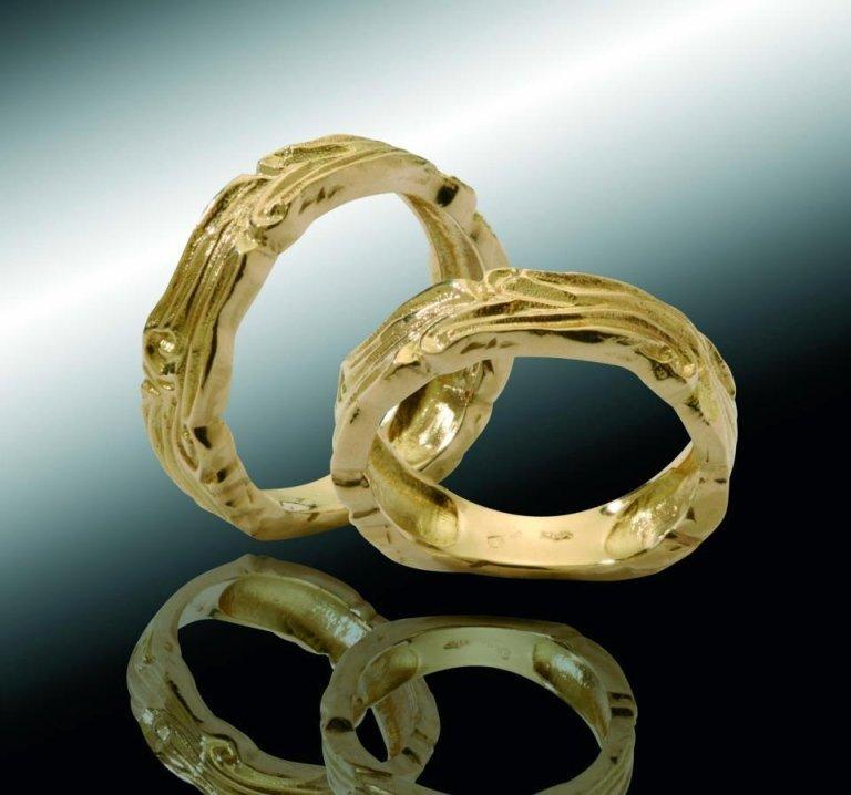 fedi nuziali in oro giallo