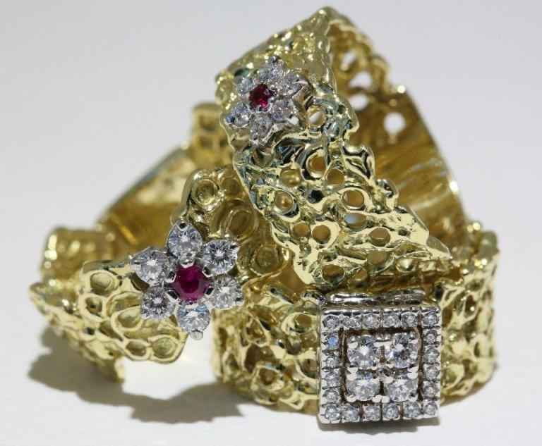 anelli in oro giallo e diamanti