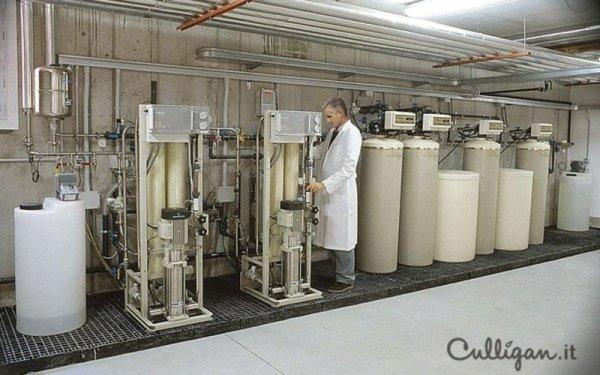 Tecnico controllo acqua