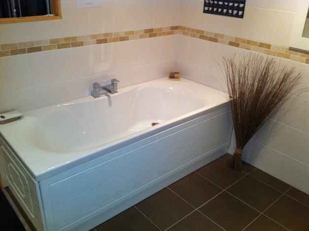 tailor-made bathtub