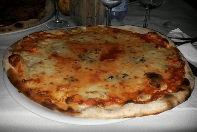 pizza con il gorgonzola