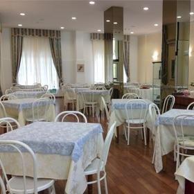 sala ristorante hotel, hotel 2 stelle, hotel sul mare