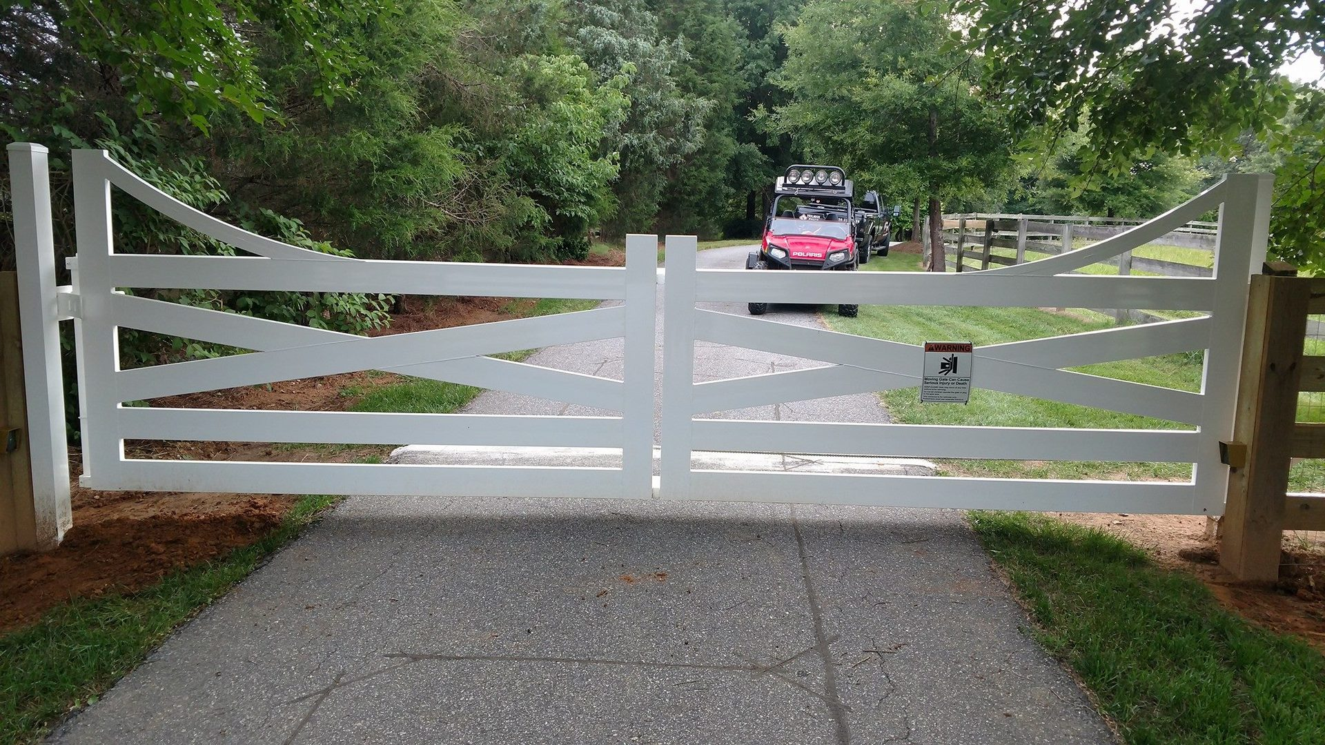 automated gate installation, maintenance and parts, designs for commercial or residential use