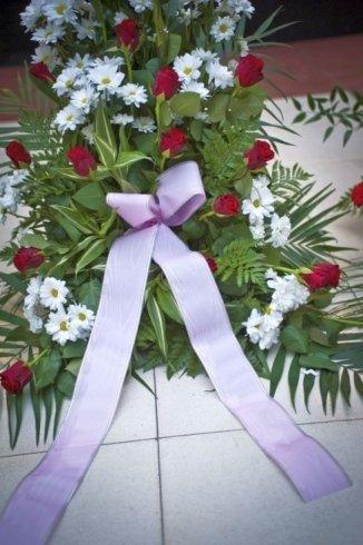 corone e cuscini floreali