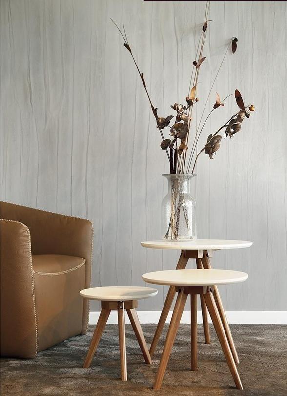 tavolini in scala da soggiorno