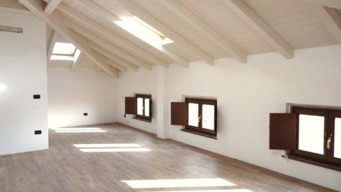 Persiane, parquet e soffitto