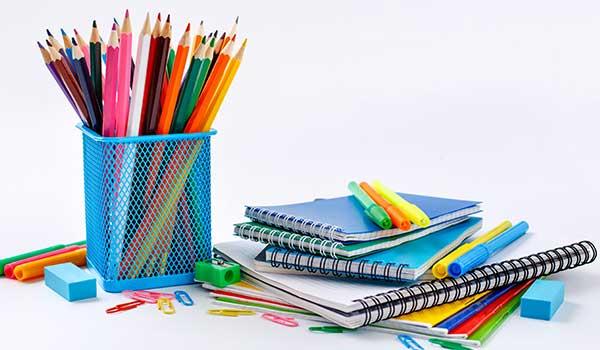articoli da scuola, penne,pennarelli,tempera matite e quaderni
