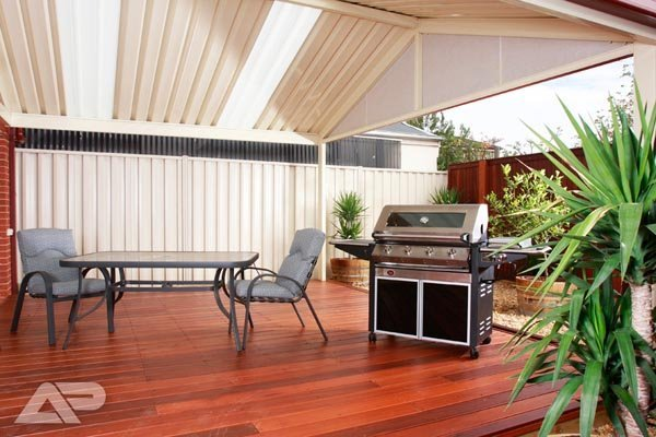 patio with hardwood floor