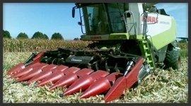 Lavori agricoli con le macchine