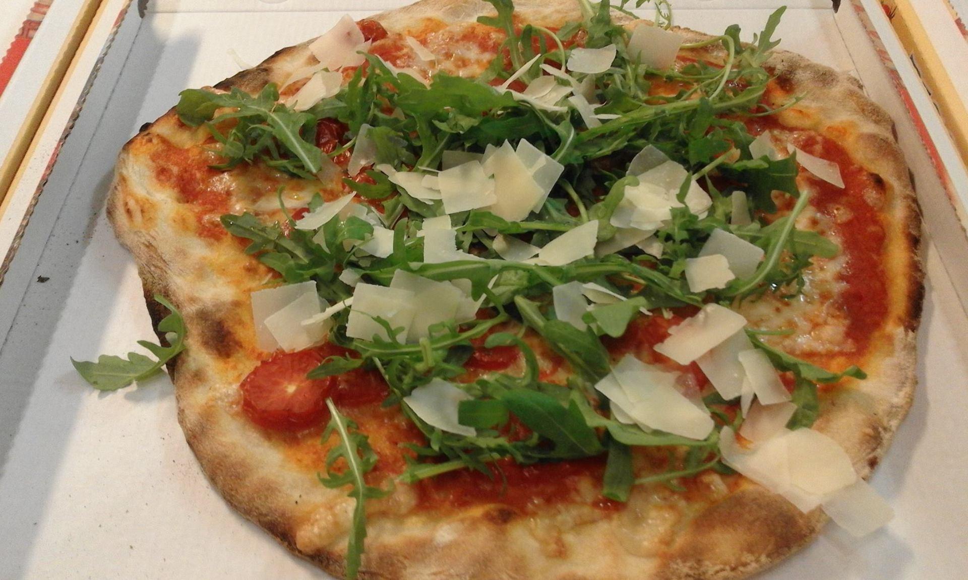 pizza rucola e grana