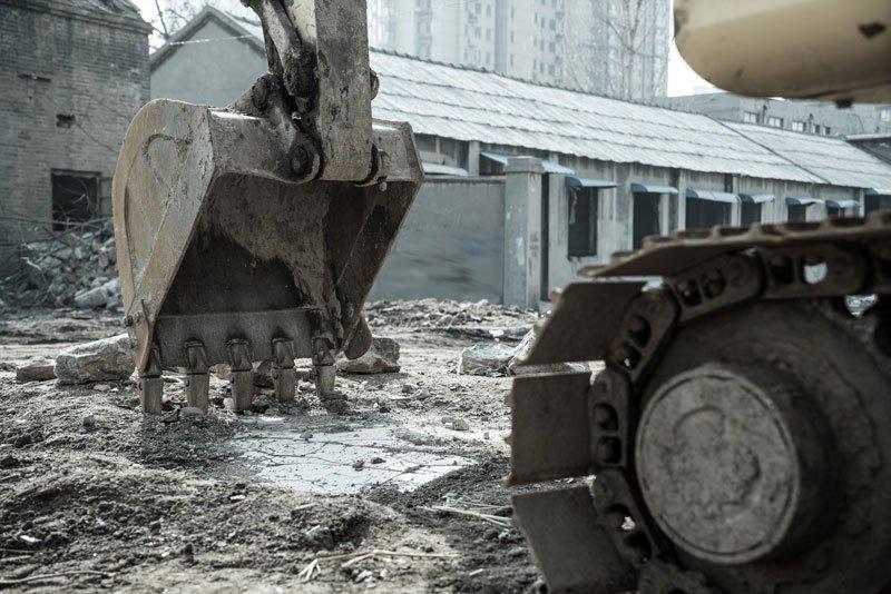 vista della pala di un escavatore