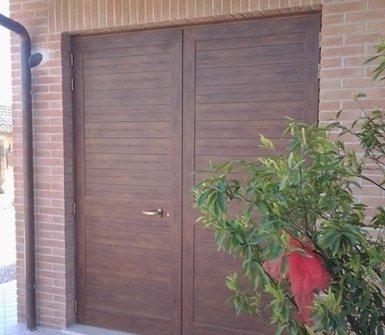 Porte in legno massello