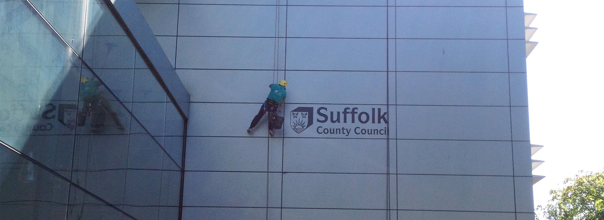 Abseiling cladding cleaning