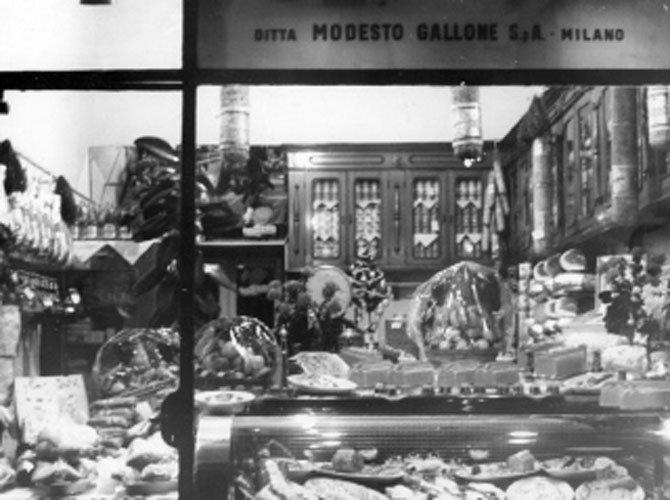 foto d`epoca della vetrina del negozio