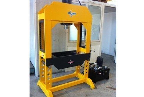 Produzione presse oleodinamiche