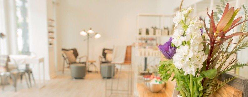 Flowers in Salon Juniper