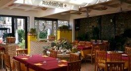 air-conditioned restaurant, trattoria, lunch