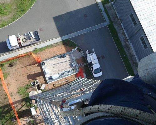 vista dall'alto di un palazzo in costruzione