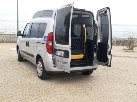 Servizio trasporto disabili verso strutture e privati, da e per stazioni ed aeroporti