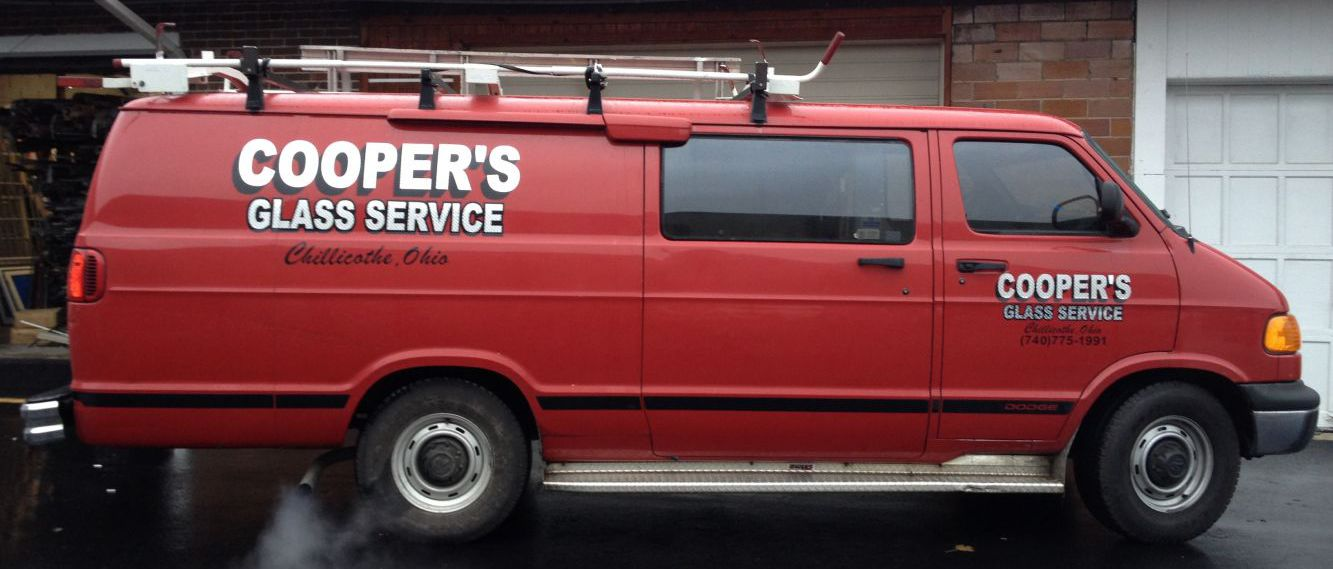 Auto glass replacement company van in Chillicothe, OH