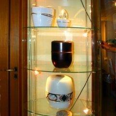 Esposizione vasi per ceneri