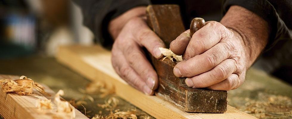 lavorazione mobili in legno roma