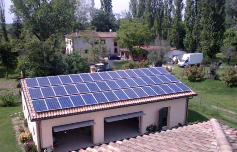 garage con pannelli solari