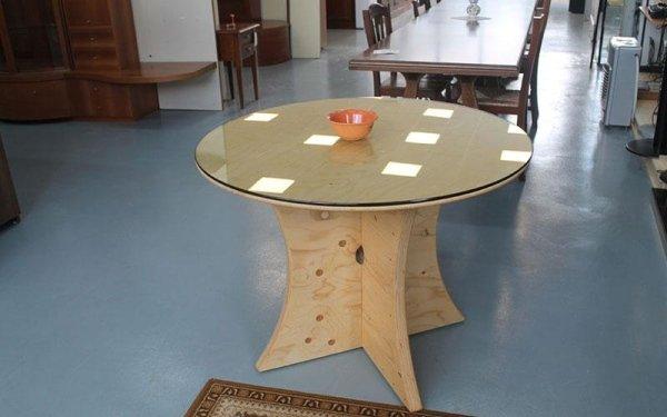 tavolo tondo in legno e vetro