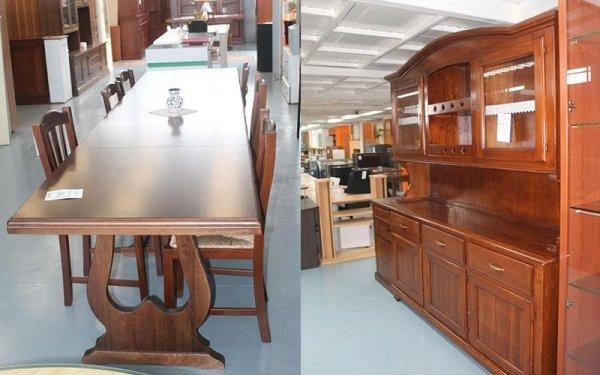 tavolo e cristalliera in legno
