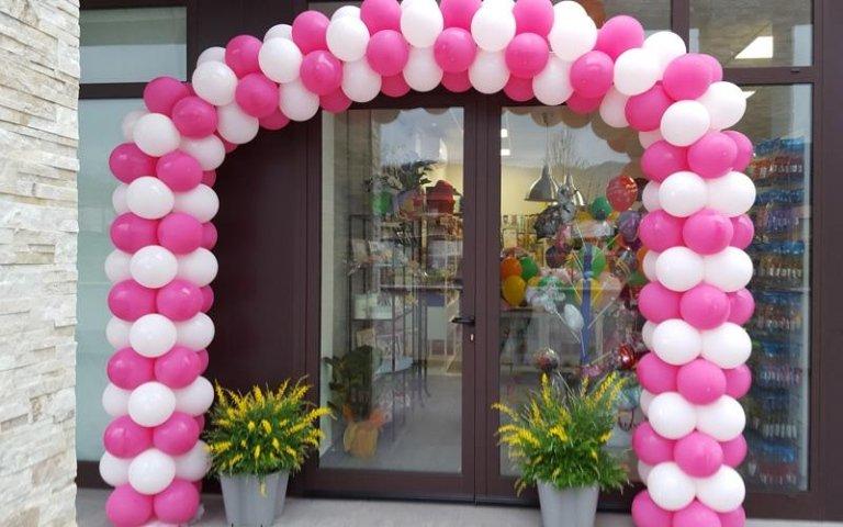 Decorazione con palloncini per negozi