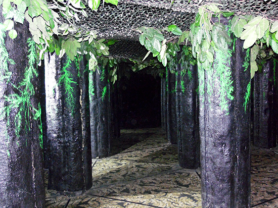 The Butterfly Palace and Rainforest Adventure - Branson, Missouri 65616 - Emerald Forest Mirror Maze