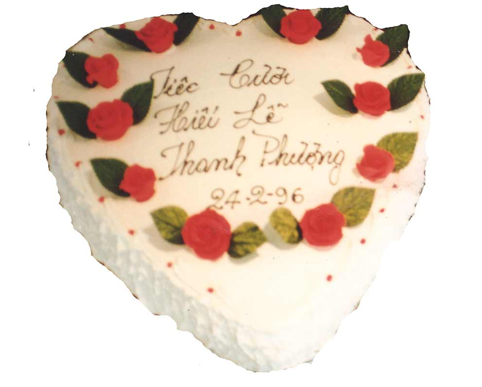 single-heart-large-cake