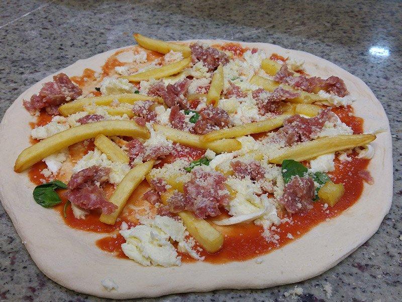 Pizza con patatine fritte al Ristorante Pizzeria Donna Sofi' ad Avigliana