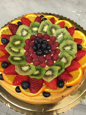 una crostata alla frutta fresca