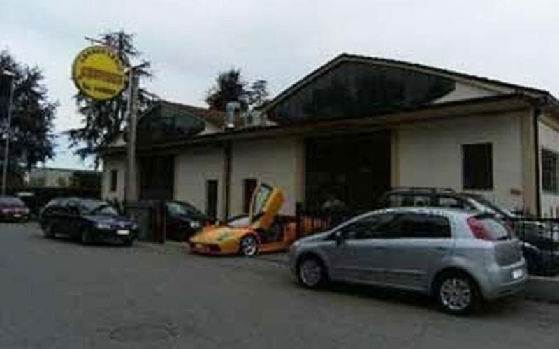 esterno della Carrozzeria Santerno