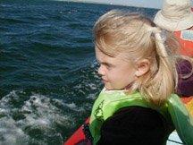 whale watch kid.jpg (22705 bytes)