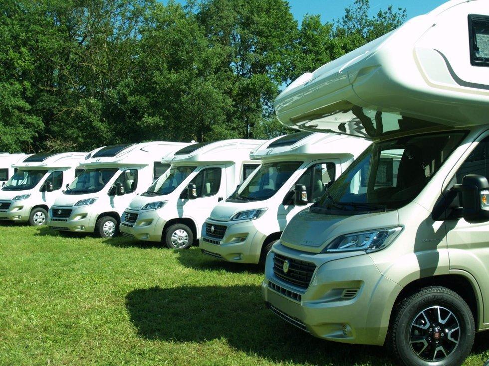 caravan camper service