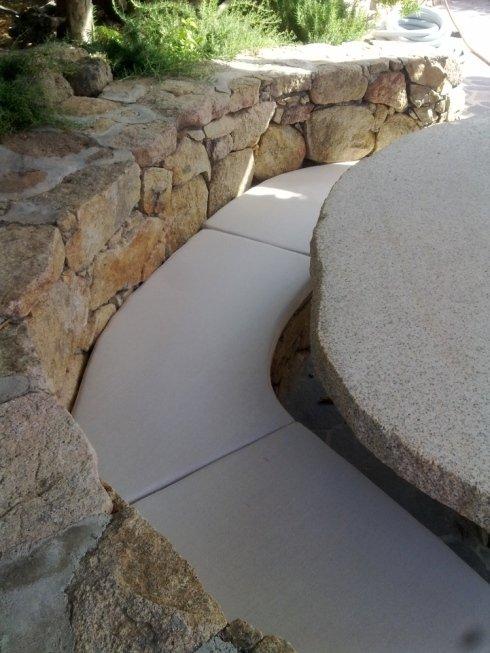 rivestimento seduta panca in muratura